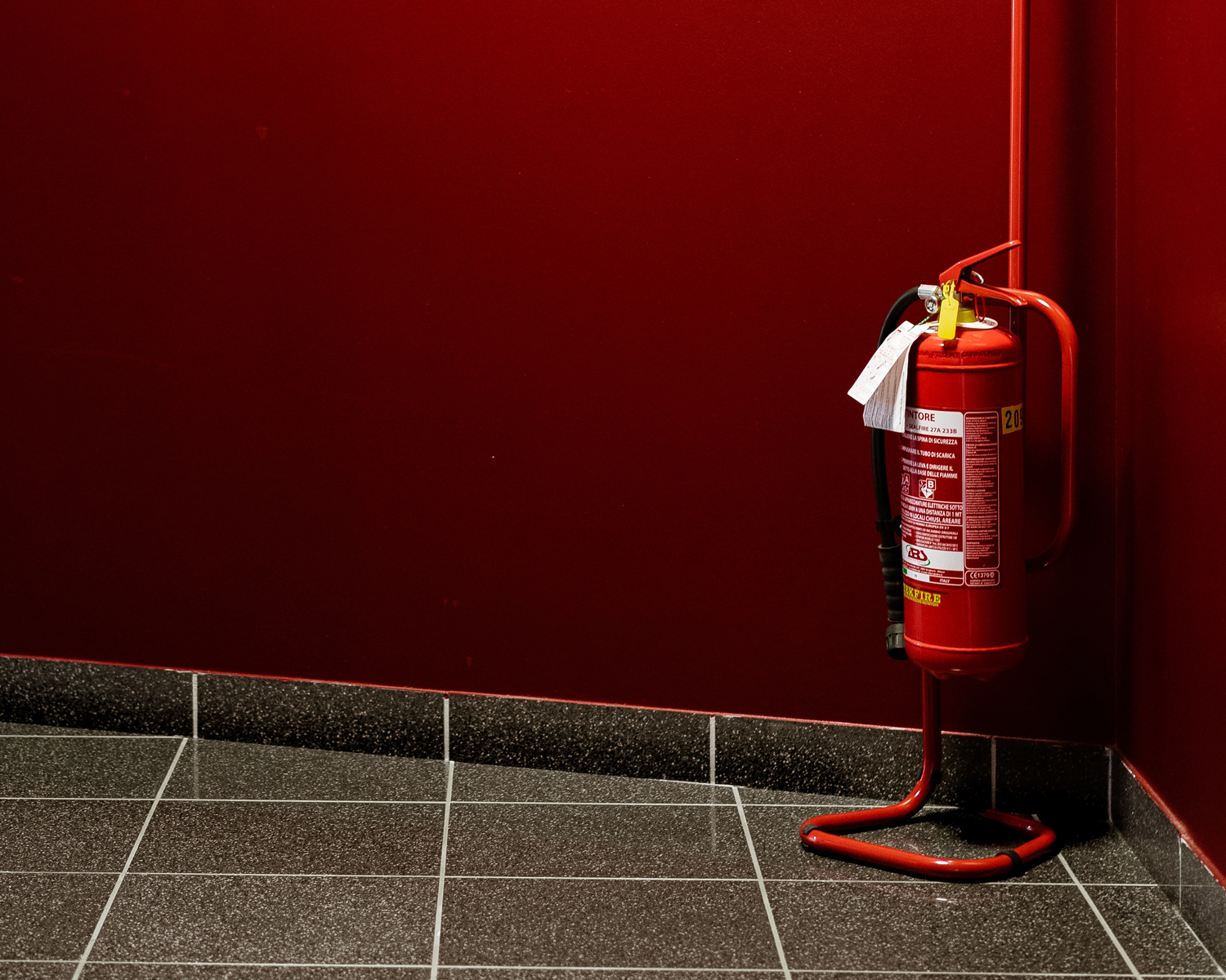 fire-extinguisher-unsplash-cropped-WEB