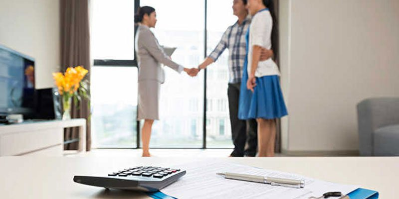 What's the Difference Between a Mortgage Banker vs. Broker